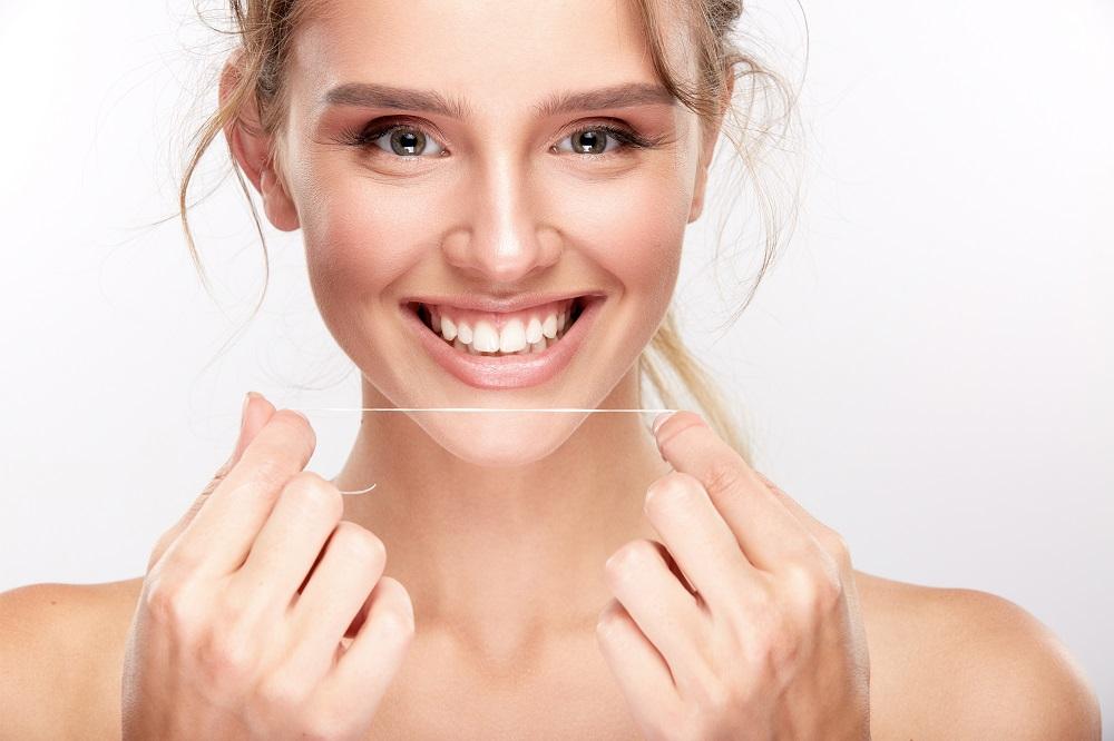 Diş Fırçanız Olmadan Dişlerinizi Nasıl Temizlersiniz?